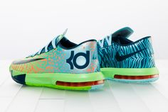 """Nike has showed off the upcoming """"Liger"""" colorway of Oklahoma City Thunder star Kevin Durant 's """"KD VI"""" shoe. The shoe is green, orange and blue, and draws inspiration from a half-lion, half-tiger animal. Kd Shoes, Nike Free Shoes, Sock Shoes, Me Too Shoes, Nike Outlet, Shoes Outlet, Kevin Durant, Air Max Sneakers, Sneakers Nike"""