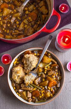 Vegetarian 'beef' stew in a rich gravy, topped with easy suet dumplings - an old recipe from an authentic British mum! Such a brilliant winter warmer. Suet Dumplings, Vegan Dumplings, Curry Recipes, Veggie Recipes, Soup Recipes, Veggie Food, Keto Recipes, Vegetarian Food, Kitchens