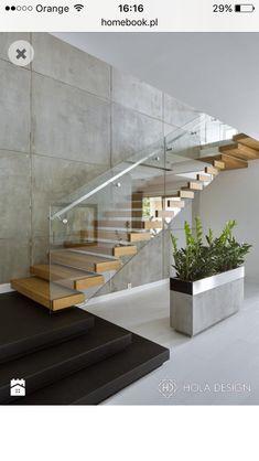The quarter-turn staircase offers a variety of design options .- Die viertelgewendelte Treppe bietet vielfältige Gestaltungsmöglichkeiten The quarter-turn staircase offers a variety of design options!