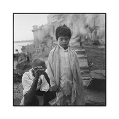 Burning ghat, Benares, India 1995, photo by Mary Ellen Mark,  Mary Ellen Mark 55