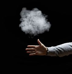 Make Smoke Appear from your Fingertips: Although the smoke magic trick looks awesome if you use your hands, you may wish to wear disposable plastic gloves to avoid absorbing phosphorus through your skin. How To Do Magic, Magic Tricks For Kids, Magic Card Tricks, Learn Magic, Rauch Tricks, The Magicians, Steve Black, Magic Tricks Revealed, Magic Illusions