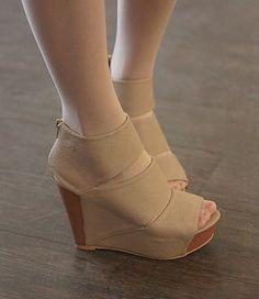 Wedge Sandale US$ 18.92