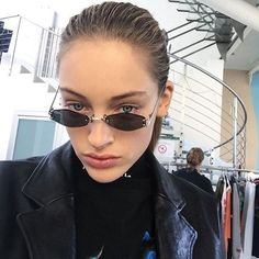 Kendall and Kylie Rimless Oval Sunglasses - BeFashionova Hexagon Sunglasses, Retro Sunglasses, Cat Eye Sunglasses, Sunglasses Women, Trending Sunglasses, Sunglasses Sale, Poses, Shady Lady, Cute Glasses