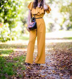 #autumn #autumnfashion #fashion #fashionstyle #blogger #blogparis #jumpsuit #jumpsuitoutfit #moutarde #mustard #autumncolors #heels #chic #classy #classylady