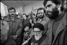 Armed bodyguards surround Ayatollah Taleghani sent by the government to quell the Kurdish rebellion, Sanandaj, March 1979 Magnum Photos, Iraq War, Frozen In Time, Islamic Images, Revolutionaries, Traditional Dresses, Paris, Iran, Monochrome