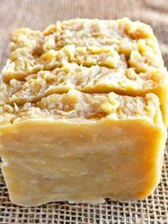 Avoiding ingredients in food is easy. In house and beauty products? Not so much. Swap out your typical chemical-laden shampoo with this homemade shampoo bar instead. A step-by-step simple tutorial will walk you through this easy recipe and budget-friendly recipe, and you'll be washing your hair with all-natural shampoo in no time! :: DontWastetheCrumbs.com