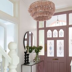 Looking for hallway lighting ideas? Take a look at these great ways for lighting a hallway, from hallway ceiling lights to hallway lighting pendants Pink Hallway, Tiled Hallway, Cream Hallway, Modern Hallway, Modern Staircase, Hallway Ceiling Lights, Hallway Lighting, Entryway Chandelier, Hallway Pictures
