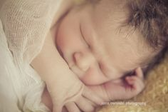 Newborn photo session « Kara Vorwald Photography #newbornphotography