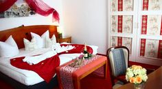 Hotel Villa Loschwitz Dresden Just a 10-minute drive from the Old Town district of Dresden, this quietly located, non-smoking hotel offers soundproofed accommodation with free wired internet, a garden terrace, and rich buffet breakfasts.