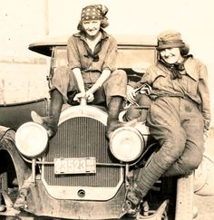 ok so they may not be lesbians but i bet you they were some badass bitches. girl power!