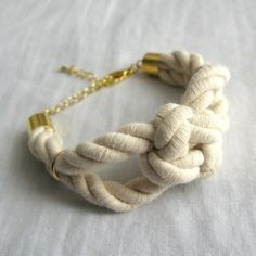 Sailor Knot Bracelet: chunky cotton rope bracelet with square sailor's knot. by andrea Sailor Knot Bracelet, Bracelet Knots, Rope Bracelets, Summer Bracelets, Jewelry Knots, Diy Jewelry, Jewelry Making, Jewellery, Jewelry Box