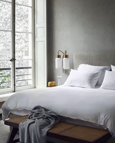 One of the most popular interior design for home is modern. The modern interior will make your home looks elegant and also amazing because of its natural material. If you want to design your home inte Home Interior, Modern Interior Design, Interior Styling, Lobby Interior, Modern Interiors, Luxury Interior, Home Decor Bedroom, Bedroom Ideas, Paris Bedroom