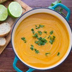 Sopa detox de batata-doce e lentilha