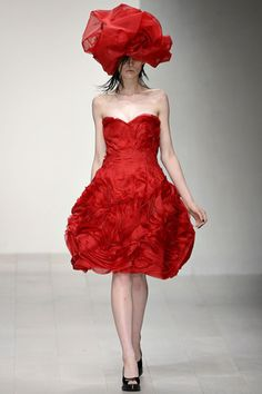 John Rocha Spring 2013 Ready-to-Wear Collection on Style.com: Runway Review