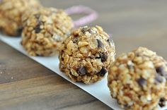 Banana almond butter breakfast cookies -- this recipe combines soul-warming oats with the best granola bar mix-ins, in cookie form! Breakfast Bars, Breakfast Cookies, Perfect Breakfast, Breakfast Ideas, Paleo Breakfast, Breakfast Time, Breakfast Recipes, Brunch Recipes, Drink Recipes