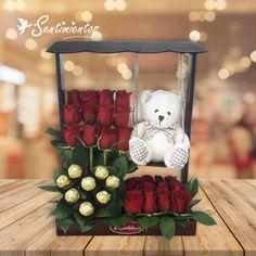 Candy Flowers, Balloon Flowers, Flower Box Gift, Flower Boxes, Personalised Gifts Diy, Diy Furniture Videos, Honey Shop, Modern Flower Arrangements, Chocolate Bouquet