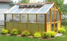 Construire une serre en bois plan de construction jardin pinterest for Installer une serre de jardin