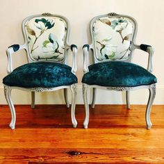 Ideas for french furniture chair upholstery Funky Furniture, Repurposed Furniture, Cheap Furniture, Home Furniture, Furniture Design, Furniture Buyers, Furniture Outlet, Furniture Dolly, Furniture Stores