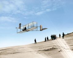 Post with 56443 views. Orville Wright flying a glider over the dunes of North Carolina, 1902 [Colorized] Colorized Historical Photos, Historical Pictures, William Faulkner, Lewis Carroll, Geo Magazin, Wonderland, Wright Brothers, History Images, History Education
