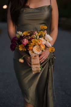 Elegant downtown Ottawa styled engagement session by Sonia V Photography. Artsy, unique photography. Ombre gatsby-inspired wedding floral bouquet. Couple Outfits, Bridesmaid Dresses, Wedding Dresses, Floral Bouquets, Ottawa, Gatsby, Floral Wedding, Engagement Session, Wedding Inspiration