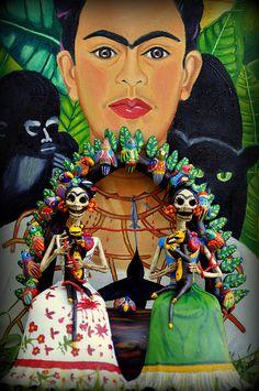 Las Dos Fridas by Helena Nares