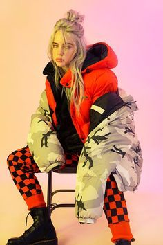 The Trademarks of Billie Eilish Style: Get the Look! - Style in the Way The Trademarks of Billie Eilish Style: Get the Look! – Style in the Way The Trademarks of Billie Eilish Style: Get the Look! – Style in the Way Billie Eilish, Selena Gomez Outfits, Kendall Jenner Outfits, Poses, Quotes Pink, Urban Outfitters, Videos Instagram, Theme Tattoo, Film Disney