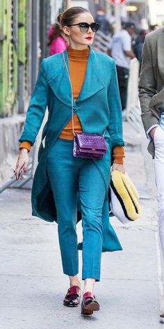 Olivia Palermo gave us a lesson in mixing colors with a chic teal set paired with a ginger blouse, burgundy flats, and a purple bag. Olivia Palermo Lookbook, Olivia Palermo Style, Colourful Outfits, Cool Outfits, Color Blocking Outfits, Everyday Dresses, Swimwear Fashion, Celebrity Style, Outfits