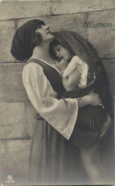 Gypsy Mother and Child Gypsy Life, Gypsy Soul, Vintage Gypsy, Vintage Girls, Vintage Photographs, Vintage Photos, Gypsy Girls, Gypsy Costume, Before Us