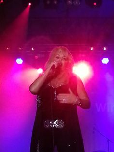 Bonnie Tyler in Hamburg, 27/07/2013 - picture by Jenny Telly Rentsch #bonnietyler #thequeenbonnietyler #therockingqueen #rockingqueen #music #rock #2013 #germany #hamburg #concert
