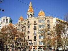INICIO Vamos con un listado de sitios para visitar en Barcelona, esta vez centrándonos en un estilo arquitectónico (tambien en la pintu...