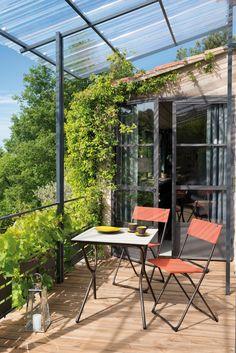 Deze uitvouw stoeltjes en tafel zijn vrolijk en praktisch #garden #chair