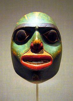 A ceremonial Native Alaskan Indian mask. Native American Masks, American Indian Art, Masks Art, Clay Masks, Art Inuit, Art Premier, Tlingit, La Face, African Masks