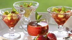 12 recetas de postres que puedes hacer en casa para lucirte en una reunión familiar   Estas son las... Strawberry, Pudding, Fruit, Desserts, Food, Home, Apple Cakes, Dessert Recipes, Cold Dishes