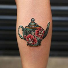 This Elegant Piece. This jaw dropping elegant piece of teapot is yet another trying worthy tea tattoo. Cup Of Tea Tattoo, Teapot Tattoo, Cup Tattoo, Body Art Tattoos, New Tattoos, Sleeve Tattoos, Cool Tattoos, Tatoos, Oldschool Tattoos