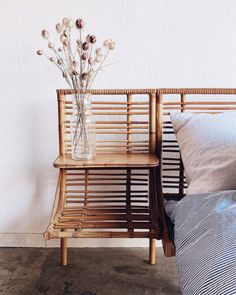 Bohemian Bedroom Decor and Bed Design Ideas Bohemian Bedroom D … Bedroom Vintage, Modern Bedroom, Quirky Bedroom, Pretty Bedroom, Stylish Bedroom, Cozy Bedroom, Vintage Decor, Vintage Style, Cheap Home Decor