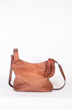 Leather Bags Handmade, His Hands, Sale Items, Toronto, Artisan, Reusable Tote Bags, Architects, Maison Scotch, Craftsman