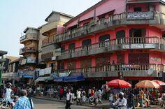 Street scene near Makola Market, Accra.