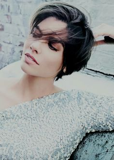 Lauren Cohan with out doubt one of the most beautiful women in the world !