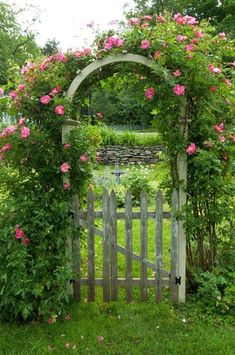 Sublime 25 Best Garden Fences And Gates https://fancydecors.co/2018/02/08/25-best-garden-fences-gates/ Test the gate to be sure it swings freely. Determine how tall you wish to create the gate.
