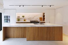 Elegant Contemporary Kitchen Design Ideas 31 Anyone planning a contemporary kitchen design needs to know exactly what they want before handing over plans to designers and … Farmhouse Style Kitchen, Modern Farmhouse Kitchens, Home Decor Kitchen, Kitchen Interior, Home Kitchens, Kitchen Ideas, Kitchen Small, Küchen Design, Layout Design