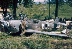 of White 8 Gabi, abandoned Germany April 1945 Ww2 Aircraft, Fighter Aircraft, Military Aircraft, Fighter Jets, Luftwaffe, Bf 109 K4, Image Avion, History Online, Ww2 Planes