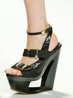 » Frankie Morello carved platform high-heel wedge, Spring 2012. (Image: ELLE)