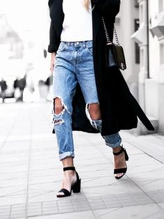 naimabarcelona:  Details  http://vogue-i-s-my-religion.tumblr.com
