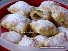 Recepti iz moje bilježnice: Lisnati paketići s jabukama Bread And Pastries, Biscuit Cookies, What To Cook, Scones, Main Dishes, Bakery, Good Food, Food And Drink, Sweets