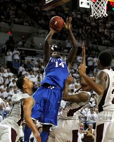 Kidd-Gilchrist's defense helps Kentucky rally past Mississippi State http://bit.ly/xYFNes