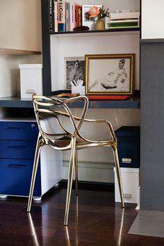 Sempre fui apaixonada por peças de design, elas sempre agregam uma beleza exclusiva e carregam o DNA de quem a faz. Criada pelos designers Philippe Starck e Eugeni Quitllet em 2010, a Masters Chair foi projetada a partir da releitura de três cadeiras símbolos do design, a Serie 7, do dinamarquês Arne Jacobsen, a Tulipa, […]