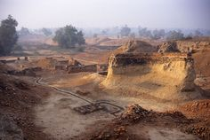 The central area of Mound A/AB was continuosly rebuilt in ancient times. Behind the curved wall is a well and below it what may have been a public bathing area. Mohenjo Daro, Indus Valley Civilization, History Of India, In Ancient Times, Archaeology, Grand Canyon, Wildlife, Earth, World