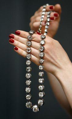 a diamond riviere, composing of 55 graduated diamonds