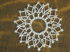 Arches Over Arches Doily . Wanda's Knotty Thoughts: A little bitty doily and a horse Irish Crochet, Diy Crochet, Crochet Doilies, Crochet Ideas, Mad Tatter, Tree Tat, Needle Tatting Patterns, Tatting Earrings, Tatting Lace