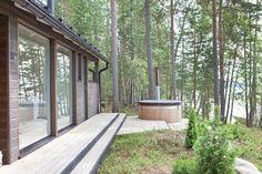 Sunhouse moderni kesähuvila